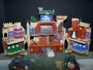 Harry Potter Hogwarts School Deluxe Electronic Playset Castle 2001