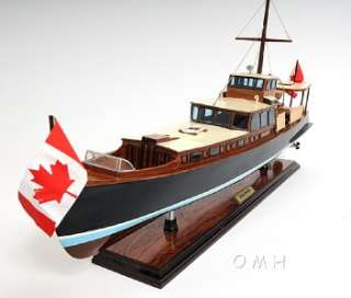 Dolphin Canada Motor Yacht Wooden Model 26 Power Boat |