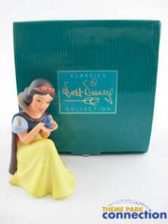 Disney WDCC Snow White MEMBER Wont You Smile For Me Figure Statue