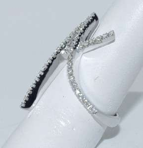STEFAN HAFNER 18 KT. WHITE GOLD AND DIAMOND RING