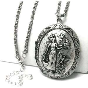 Beautiful Vintage Look Bird Lady Oval Locket Charm Fashion Necklace on