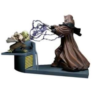 Star Wars Yoda vs. Emperor Palpatine Vinyl Statue Figure Toys & Games