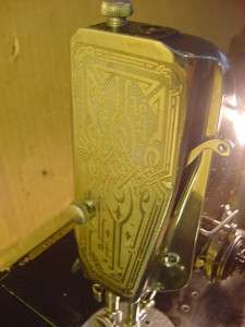 ANTIQUE 1933 SINGER FEATHERWEIGHT SEWING MACHINE 221