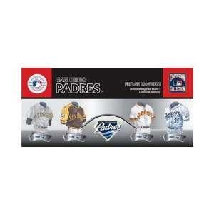 Pack Uniform Magnet Set  MLB  San Diego Padres