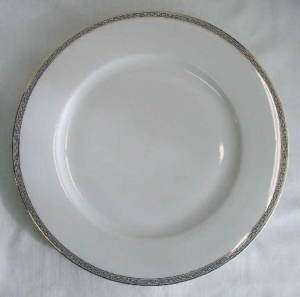 TK Thun Germany Black/Gold GREEK KEY Dinner Plate (s)
