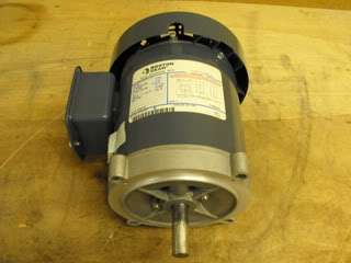 BOSTON GEAR ELECTRIC MOTOR 1/6 HP MOTOR 3 PHASE NEW