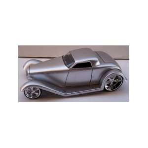 Jada Toys 1/24 Scale Diecast D rods 1932 Ford in Color Silver: Toys