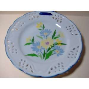 French Country Plate   Blue & Yellow Flowers